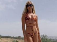Federica Panicucci in bikini